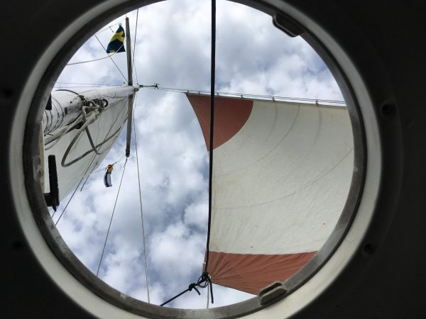 Artsy fartsy image of the view from the fore hatch (flying the yankee)