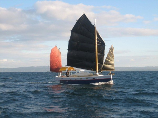 Roger Scott's three-masted Shoestring